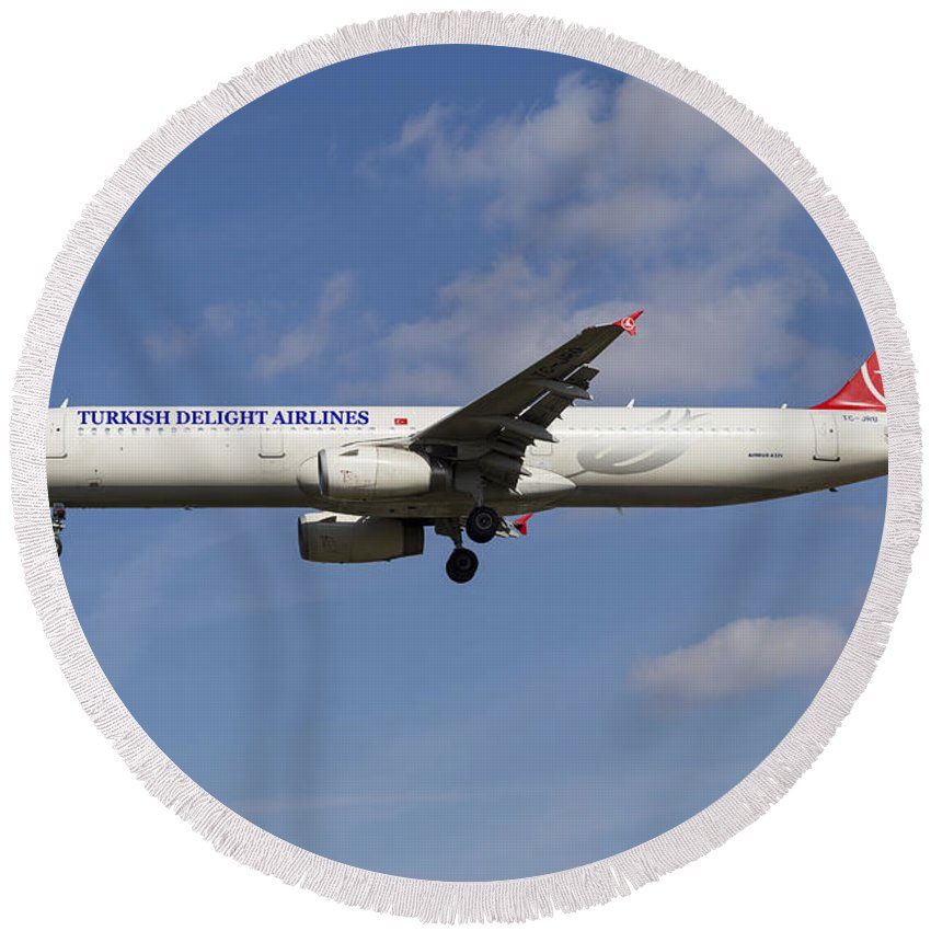 Turkish Delight Round Beach Towel featuring the photograph Turkish Delight Airlines Airbus A321 by David Pyatt