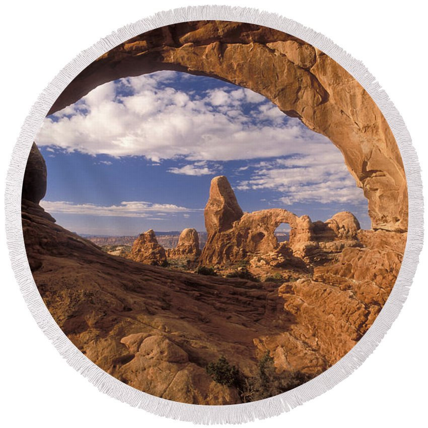 Turret Arch Round Beach Towel featuring the photograph Turret Arch And North Window by Sandra Bronstein