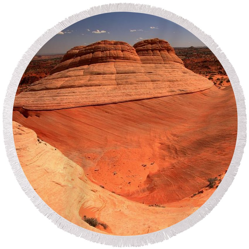 Coyote Buttes Ufo Round Beach Towel featuring the photograph Ufo In Coyote Buttes by Adam Jewell
