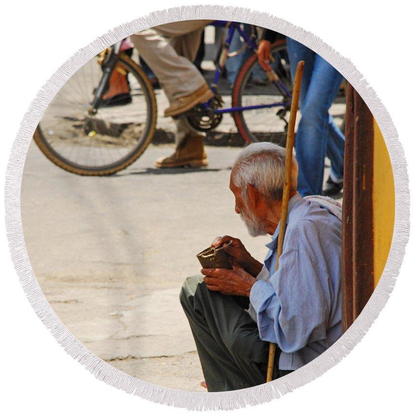 Beggar Round Beach Towel featuring the photograph Un Peso Por Favor by Skip Hunt