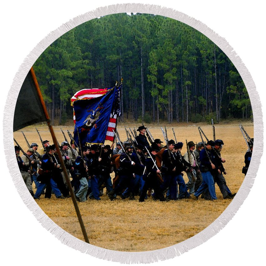Civil War Round Beach Towel featuring the painting Union On The Move by David Lee Thompson