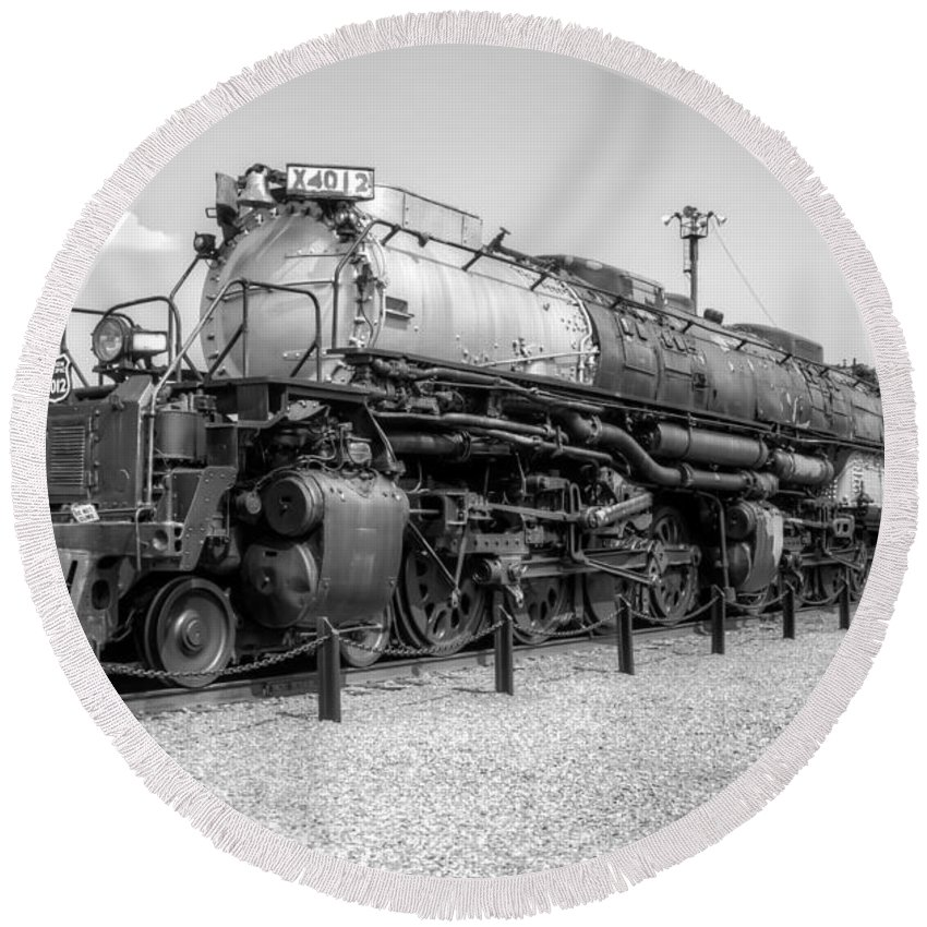 Trains Round Beach Towel featuring the photograph Union Pacific 4012 by Anthony Sacco