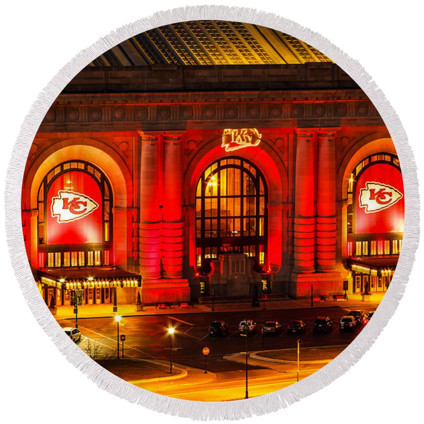 Steven Bateson Round Beach Towel featuring the photograph Union Station In Chiefs Red by Steven Bateson