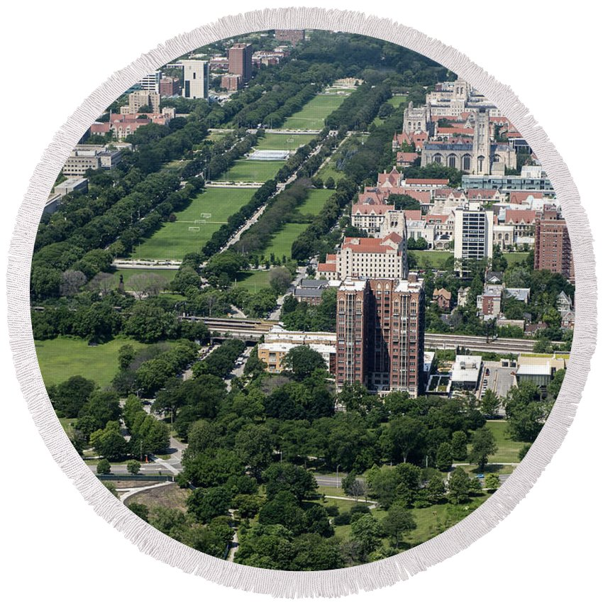 University Of Chicago Booth School Of Business Round Beach Towel featuring the photograph University Of Chicago Booth School Of Business And Midway Plaisance Park Aerial Photo by David Oppenheimer
