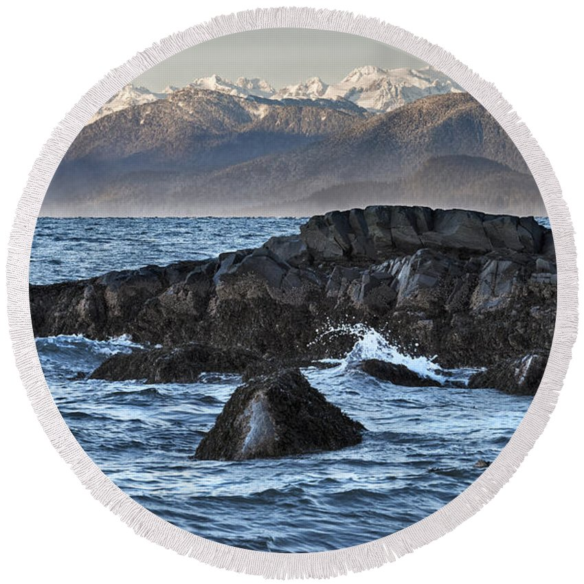 Stikine River Delta Round Beach Towel featuring the photograph Up The Stikine by Richard Rivard