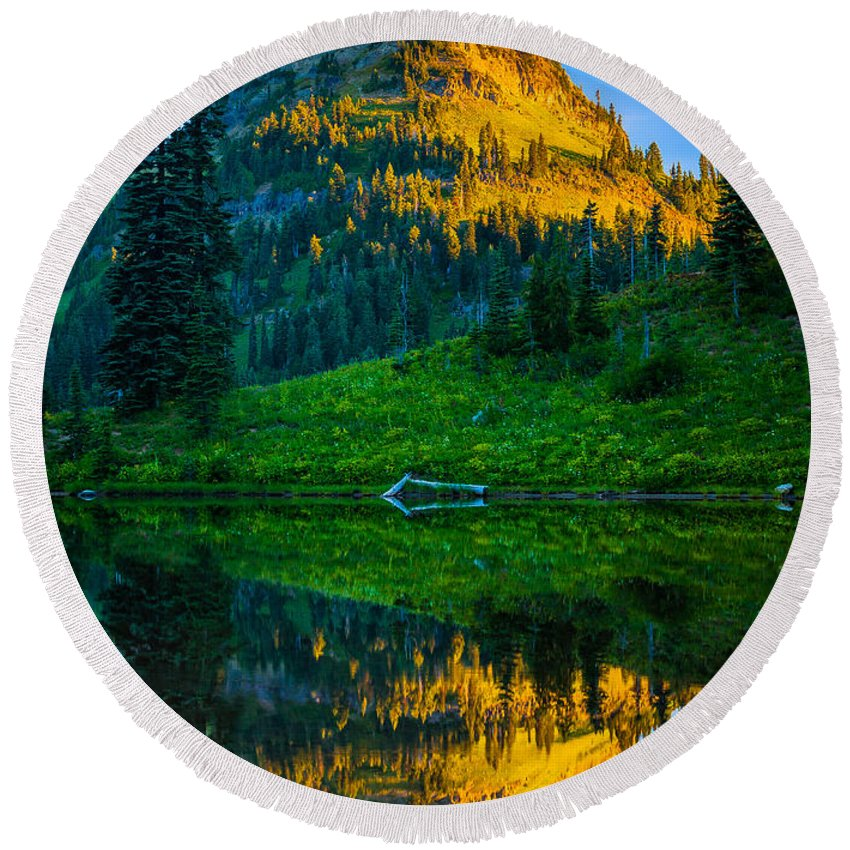 America Round Beach Towel featuring the photograph Upper Tipsoo by Inge Johnsson