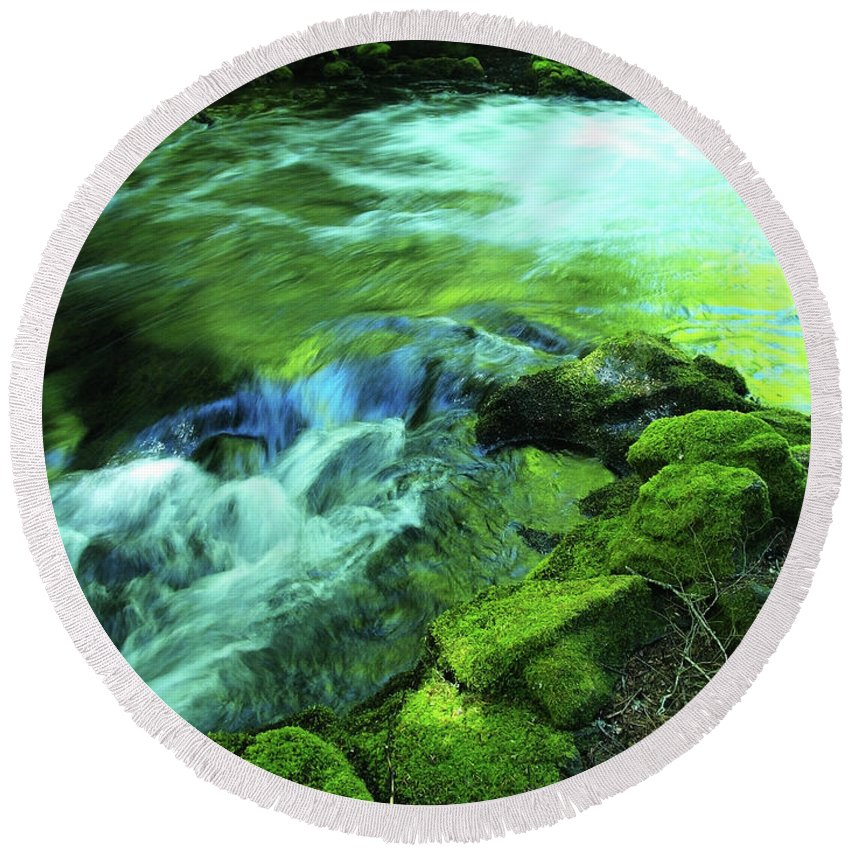Green Round Beach Towel featuring the photograph Upstream Of Whitehorse Falls by Teri Schuster