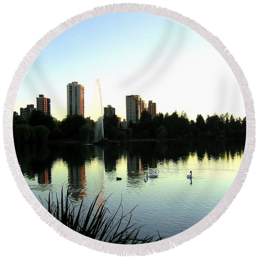 Vancouver Round Beach Towel featuring the photograph Urban Paradise by Will Borden