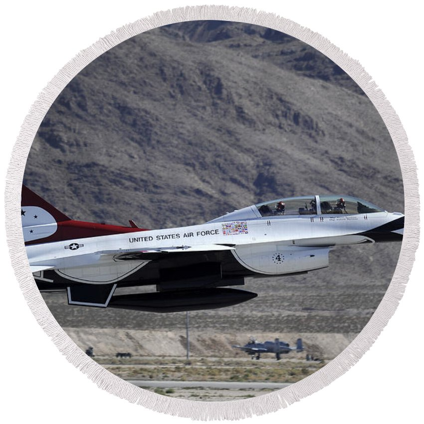 National Guard Round Beach Towel featuring the photograph U.s. Air Force Thunderbird F-16 by Stocktrek Images