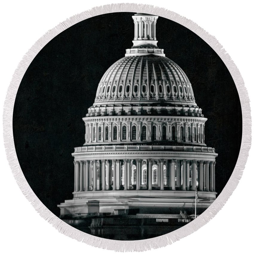 Washington Dc Round Beach Towel featuring the photograph Us Capitol by Doug Sturgess