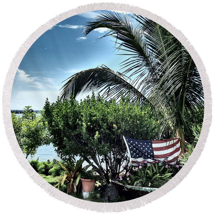 Amerian Flag Round Beach Towel featuring the photograph US Flag in the Abaco Islands, Bahamas by Cindy Ross