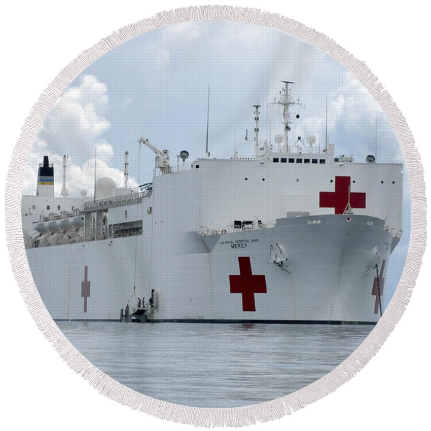 Humanitarian Assistance Round Beach Towel featuring the photograph U.s. Naval Hospital Ship Usns Mercy by Stocktrek Images