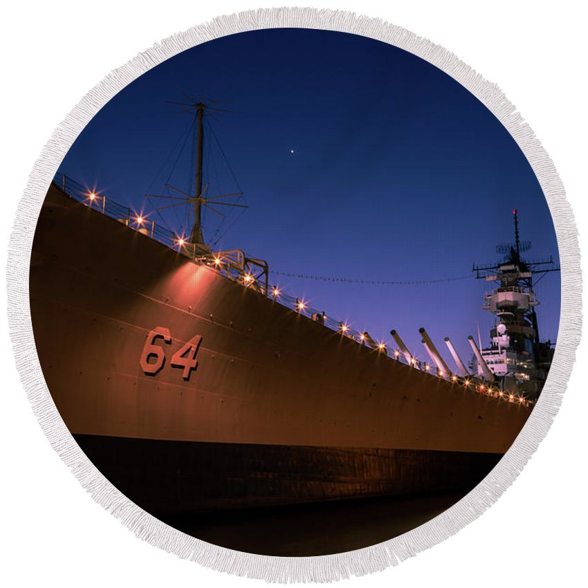 Uss Wisconsin Round Beach Towel featuring the photograph Uss Wisconsin Sunset by John Daly