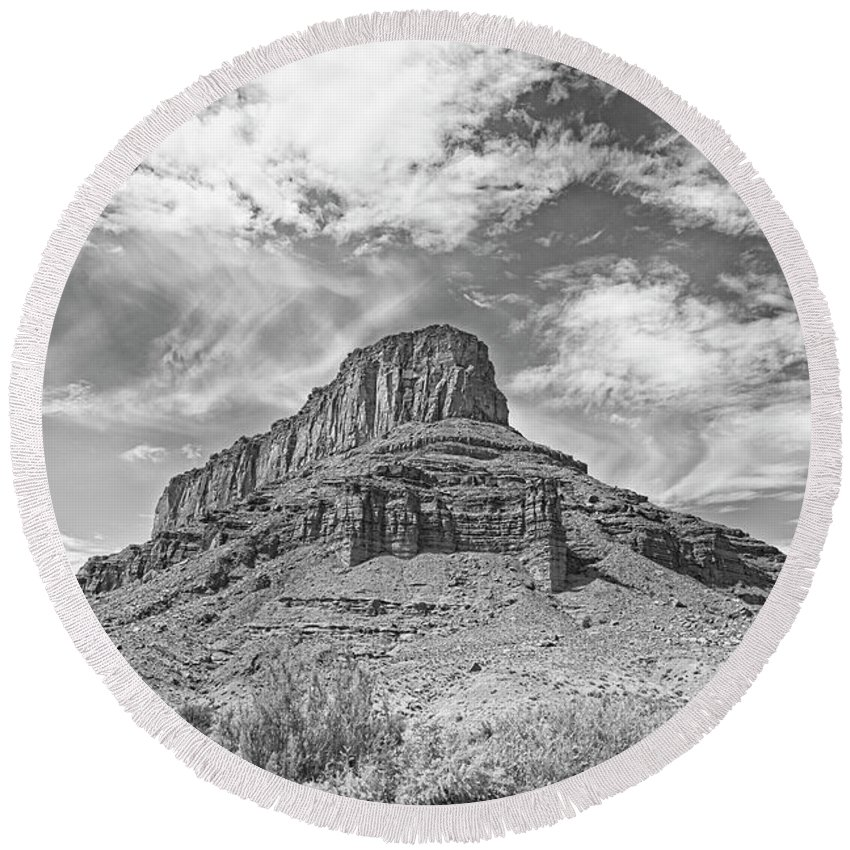 Brush Round Beach Towel featuring the photograph Utah Landscape by Jim Thompson