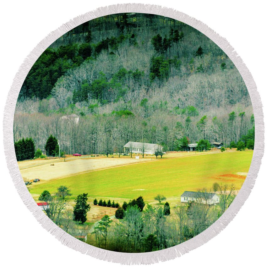 2015 Round Beach Towel featuring the photograph Valley Below by Vickie Washington