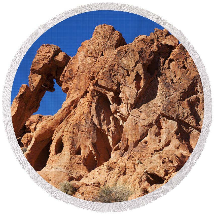 Elephant Rock Round Beach Towel featuring the photograph Valley Of Fire Elephant Rock by Bob Christopher