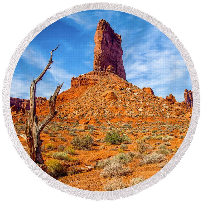 Formation Round Beach Towel featuring the photograph Valley Of The Gods by Rikk Flohr