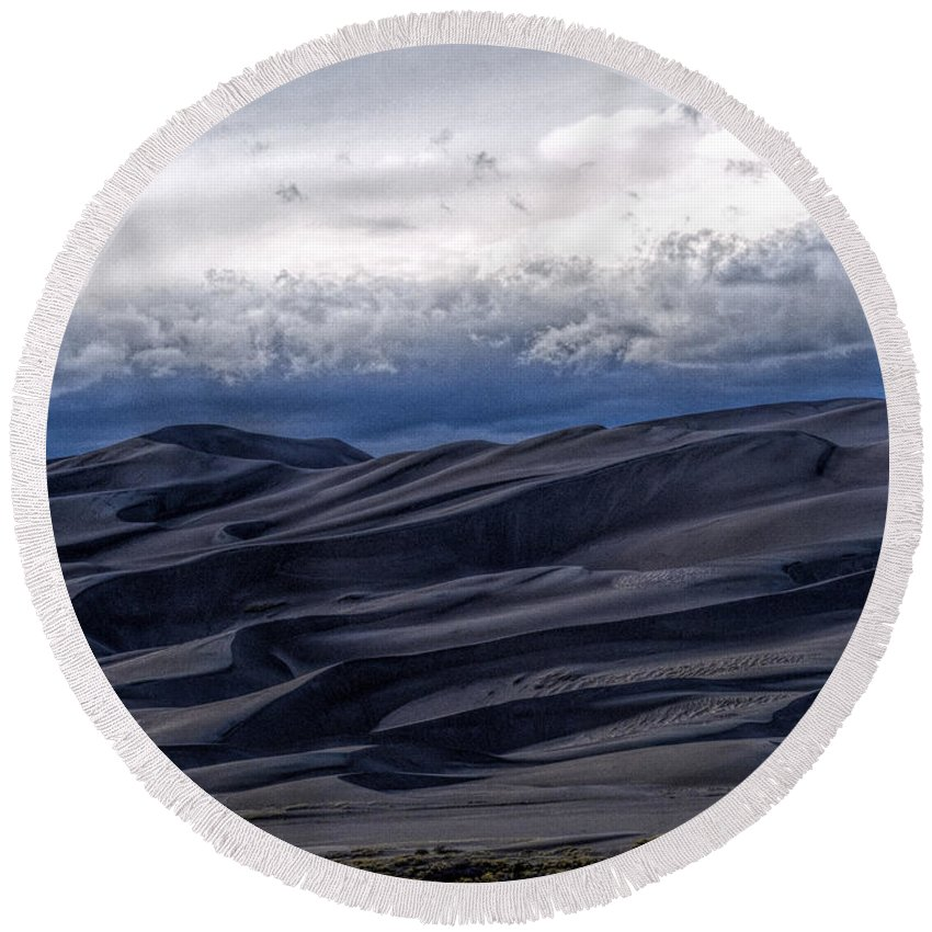 Great Sand Dunes National Park Round Beach Towel featuring the photograph Velvet at Night by Alana Thrower