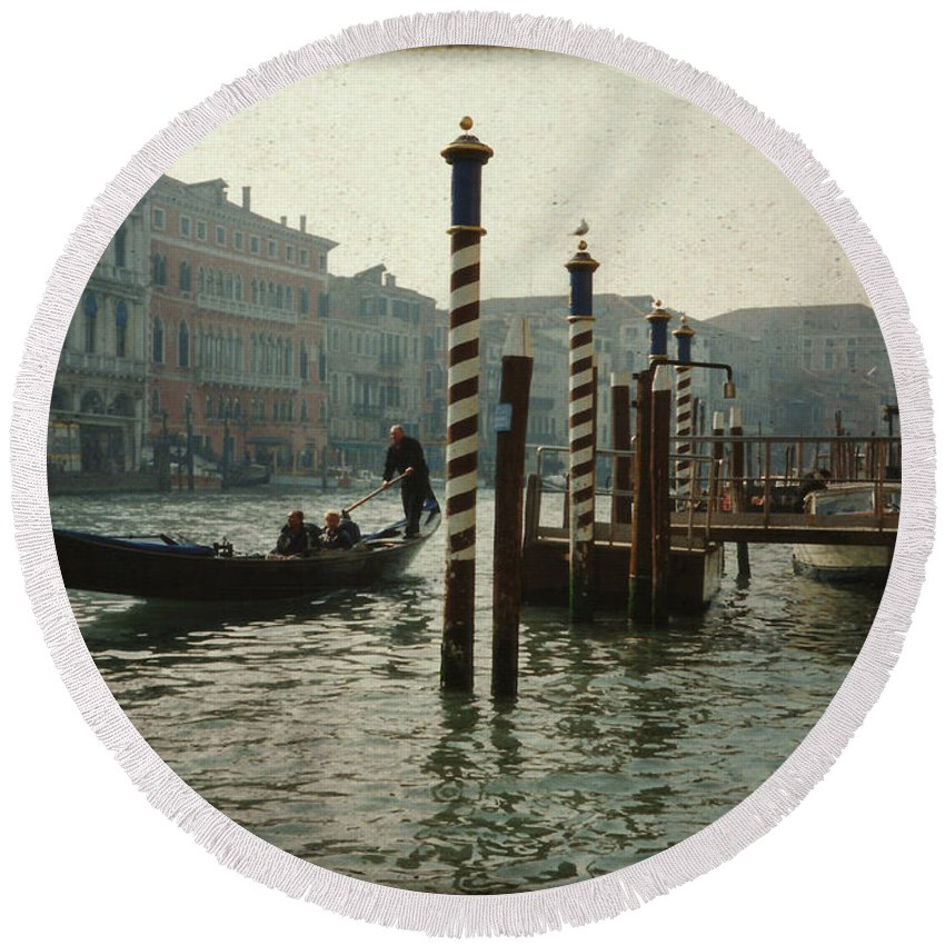 Venice Round Beach Towel featuring the photograph Venice Gondola by Marna Edwards Flavell