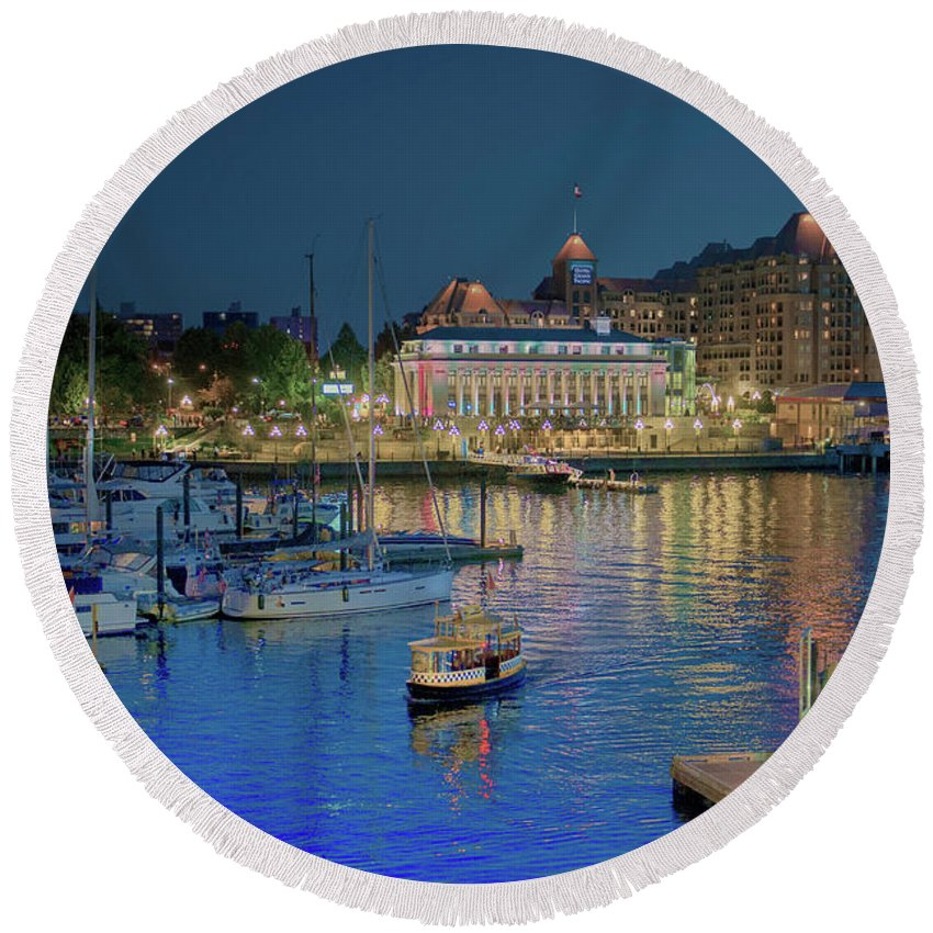 Victoria Round Beach Towel featuring the photograph Victoria At Night by Patricia Dennis