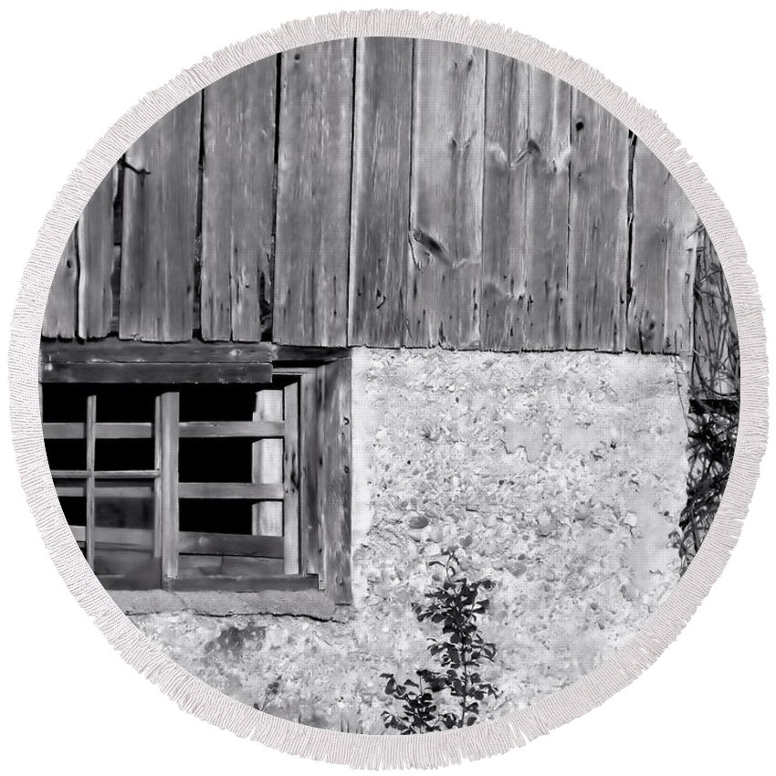 Barn Exterior Round Beach Towel featuring the photograph View Of Barn Exterior by Kristi Beers-Mason