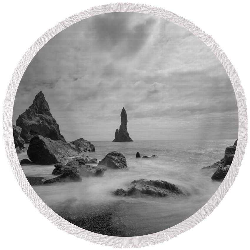 Black Sand Beach Round Beach Towel featuring the photograph Vik Iceland Bw by Michael Ver Sprill