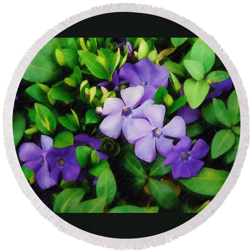 Vinca Round Beach Towel featuring the photograph Vinca by Sandy MacGowan