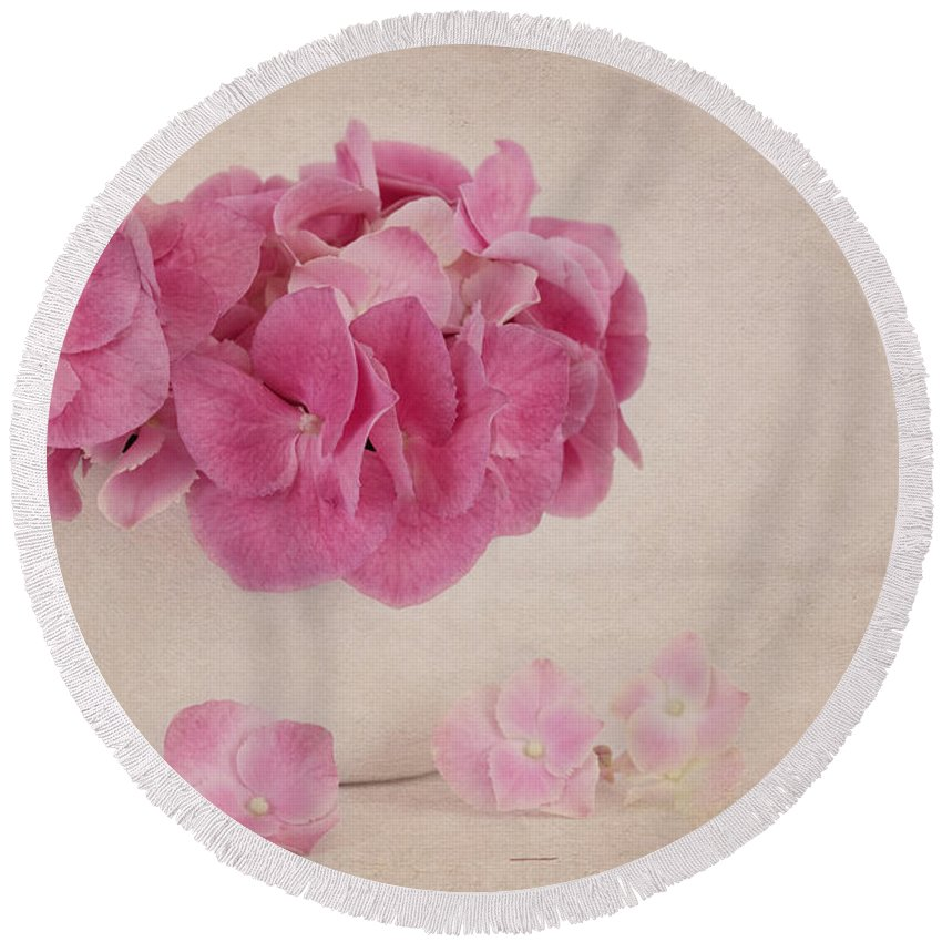 Hydrangea Round Beach Towel featuring the photograph Vintage Pink Hydrangea by Kim Hojnacki