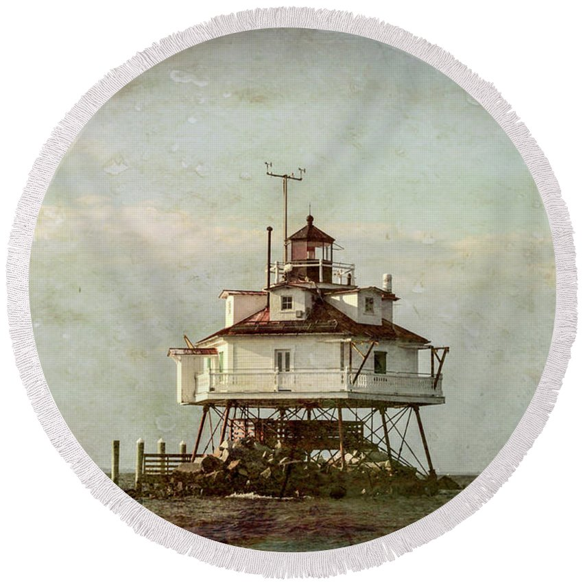 Vintage Round Beach Towel featuring the photograph Vintage Thomas Point Shoal Lighthouse by Carol Ward