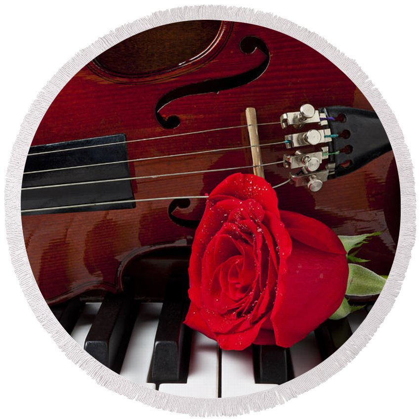 Violin Round Beach Towel featuring the photograph Violin And Rose On Piano by Garry Gay