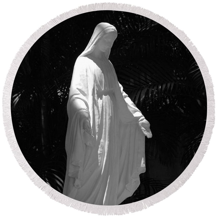 Black And White Round Beach Towel featuring the photograph Virgin Mary In Black And White by Rob Hans