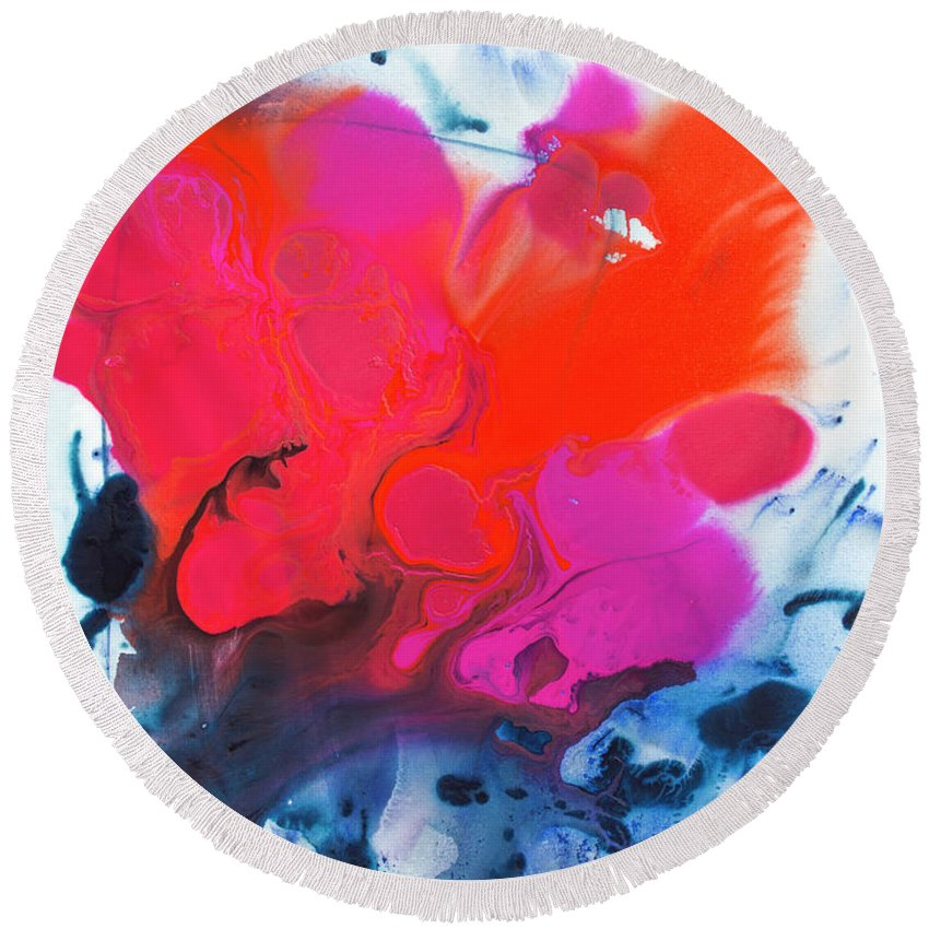 Abstract Round Beach Towel featuring the painting Voice by Claire Desjardins