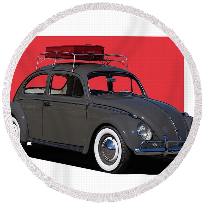Volkswagen Round Beach Towel featuring the photograph Volkswagen Vw Beetle by Nick Gray