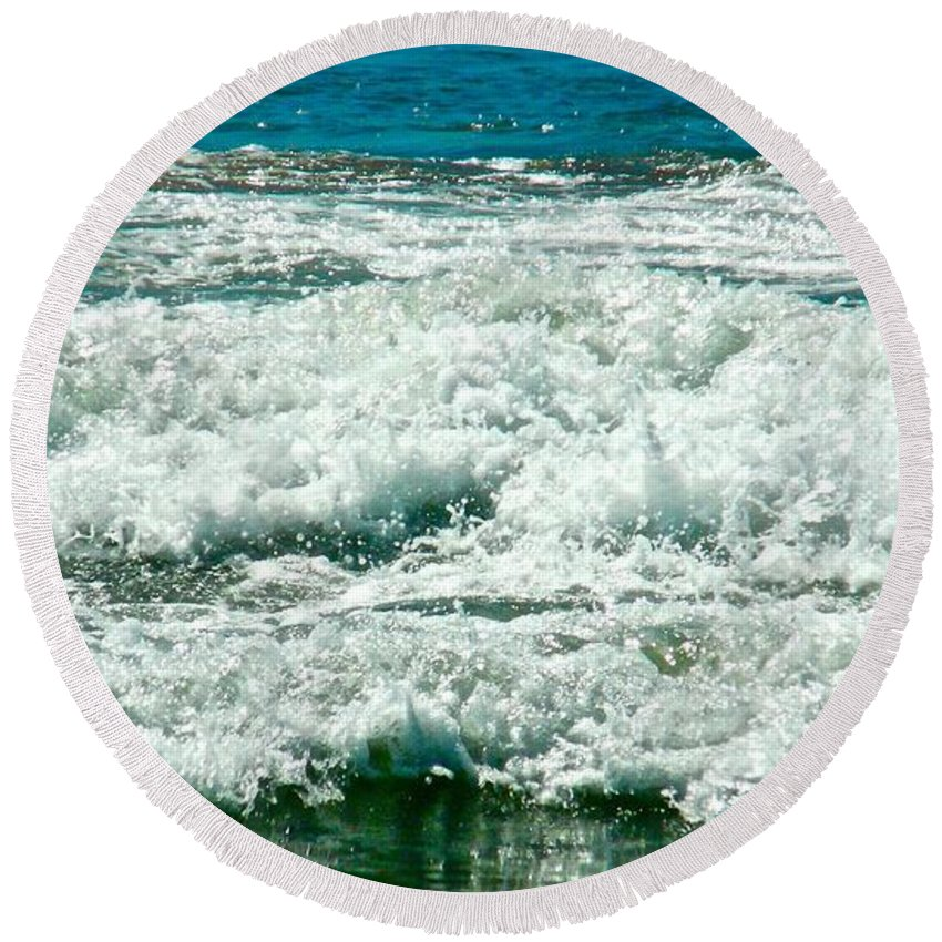 Ocean Waves Round Beach Towel featuring the photograph Wading For A Sign by Jacqueline Howe