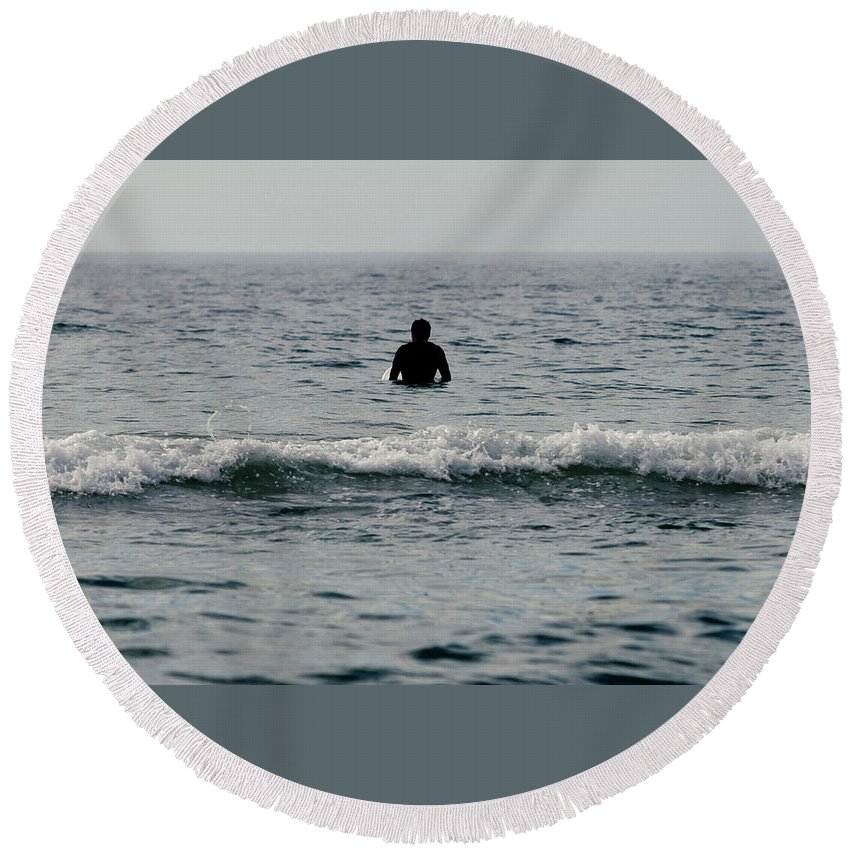 Surf Round Beach Towel featuring the photograph Waiting by Nicole Swanger