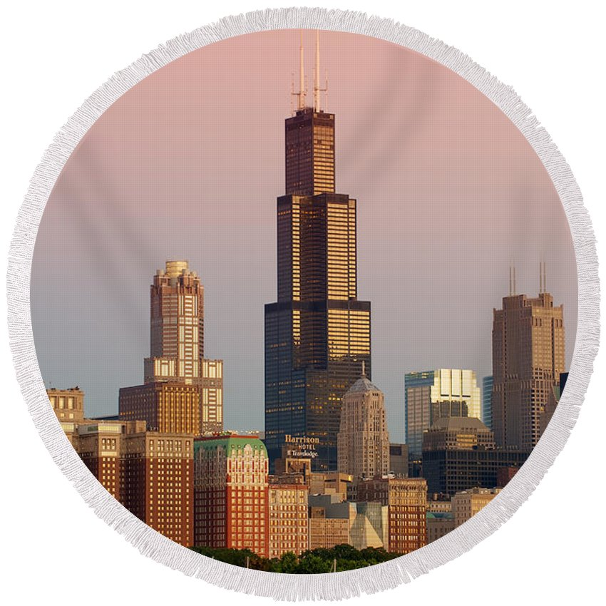 Chicago Round Beach Towel featuring the photograph Wake Up Chicago by Sebastian Musial