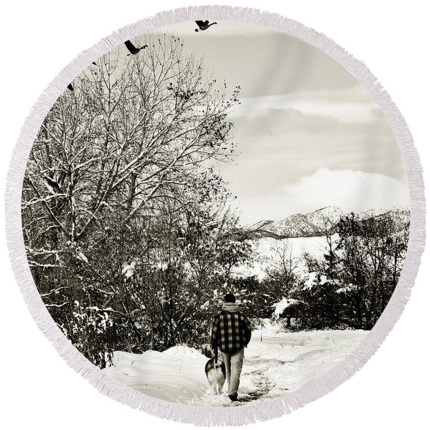 Colorado Round Beach Towel featuring the photograph Walk In The Park by Marilyn Hunt