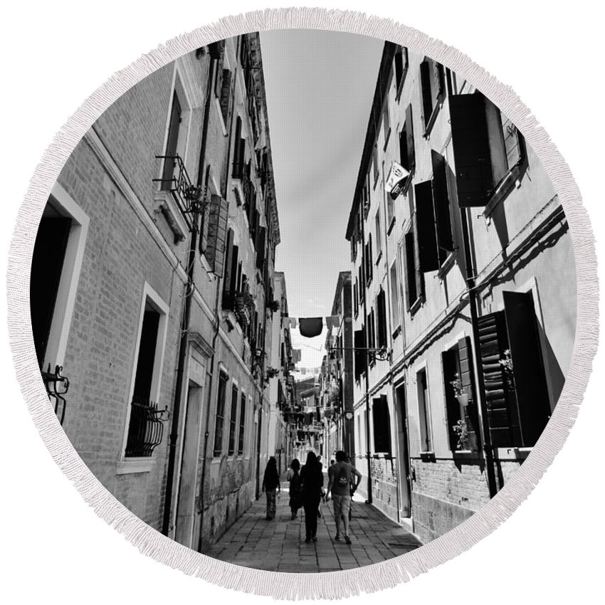 Venice Round Beach Towel featuring the photograph Walking In Venice by Victor Carvalho