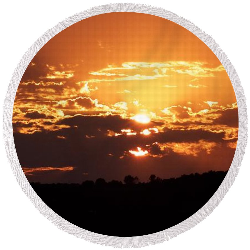 Sunset Round Beach Towel featuring the photograph Warm Sunset by Tiffany Erdman