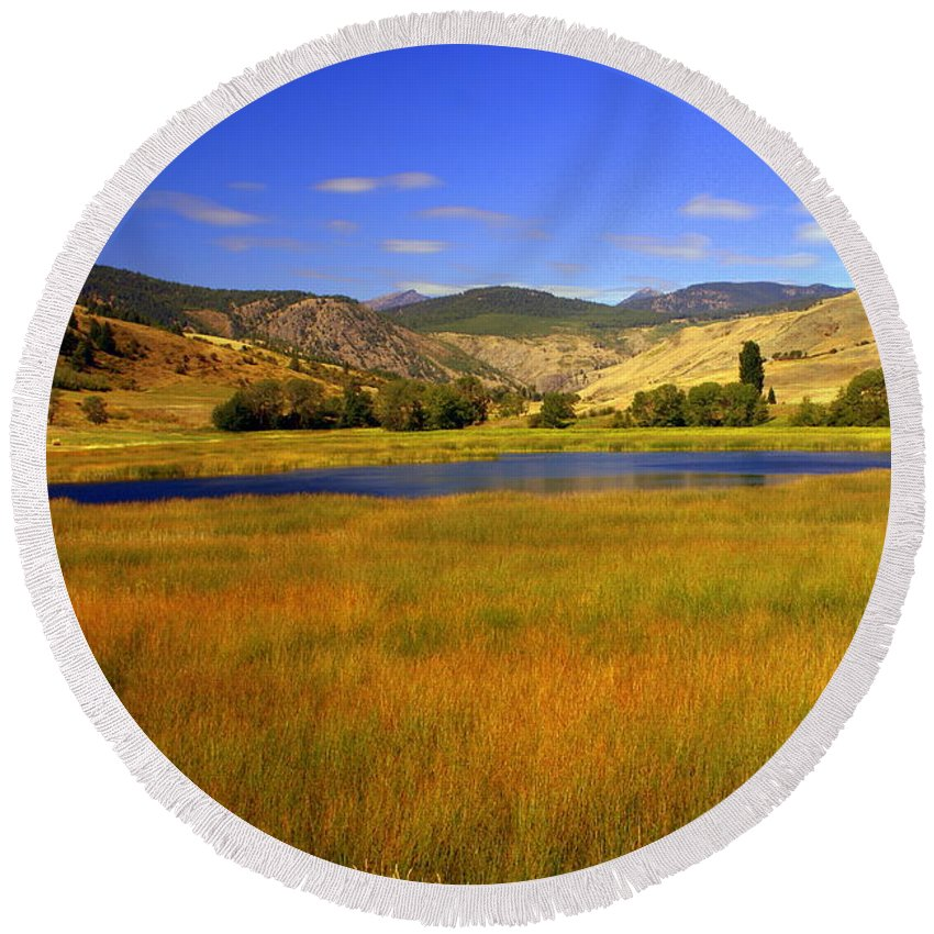 Landscape Round Beach Towel featuring the photograph Washington Landscape by Marty Koch