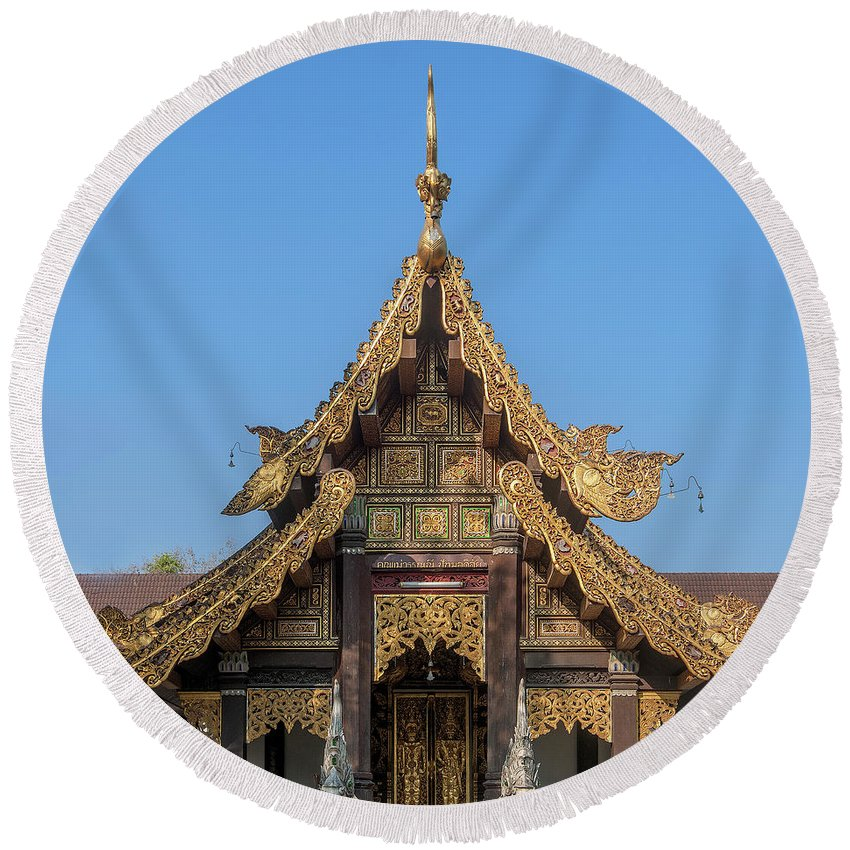 Scenic Round Beach Towel featuring the photograph Wat Jed Yod Gable Of The Vihara Of The 700 Years Image Dthcm0963 by Gerry Gantt