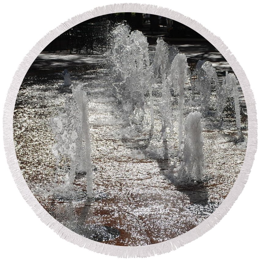 Water Round Beach Towel featuring the photograph Water Fountain by Rob Hans