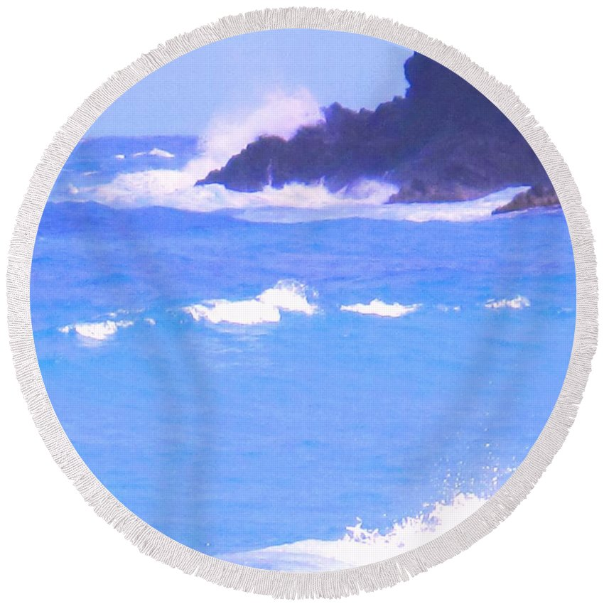 Ocean Round Beach Towel featuring the photograph Waves Crashing by Ian MacDonald
