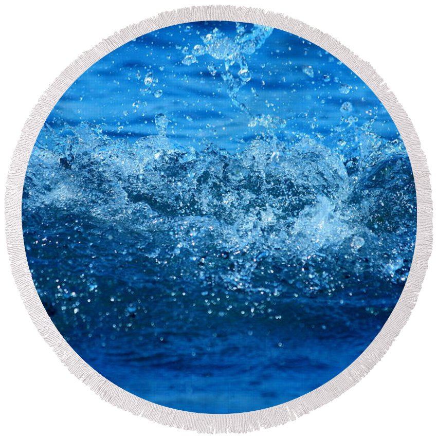Bathroom Design Round Beach Towel featuring the photograph Waves by Heike Hultsch