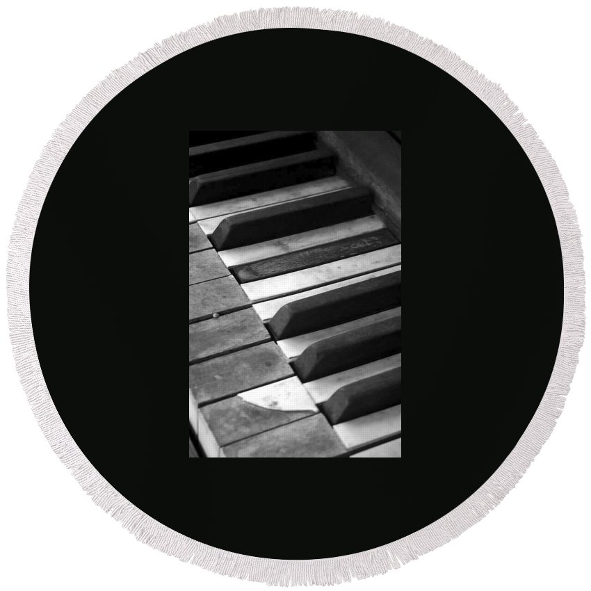 Piano Round Beach Towel featuring the photograph Weathered Music by Adam Vance