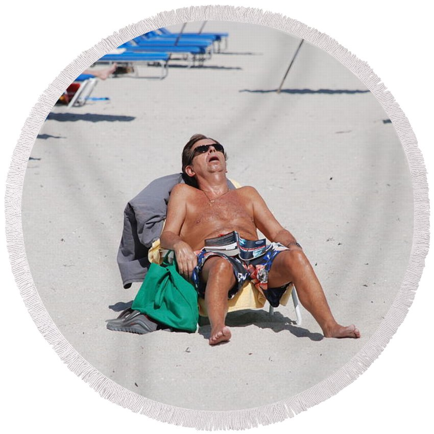 Beach Round Beach Towel featuring the photograph Weekend At Bernies by Rob Hans