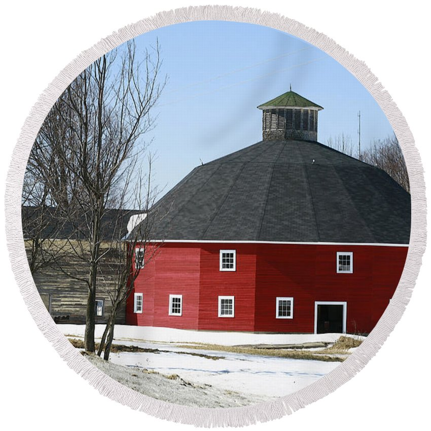 Barn Round Beach Towel featuring the photograph Welch Round Barn by Deborah Benoit