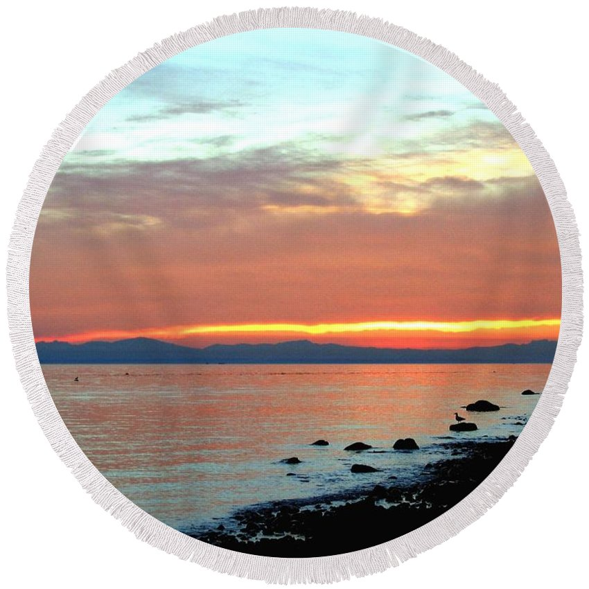 Sunset Round Beach Towel featuring the photograph West Vancouver Sunset by Will Borden