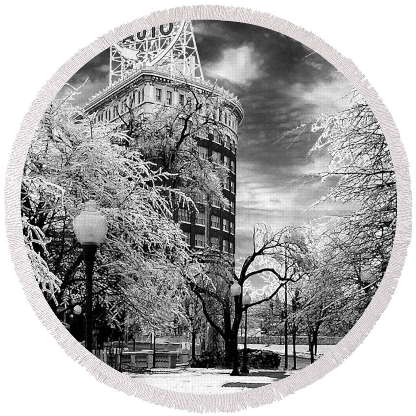 Western Auto Kansas City Round Beach Towel featuring the photograph Western Auto In Winter by Steve Karol