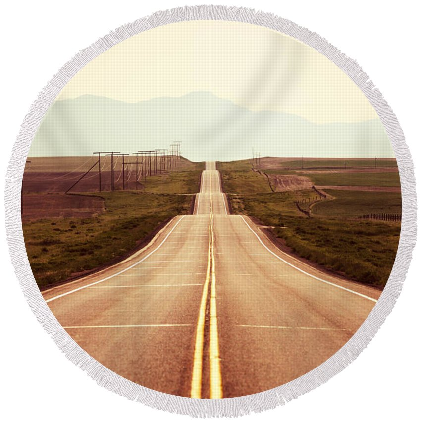 Middle Round Beach Towel featuring the photograph Western Road by Todd Klassy